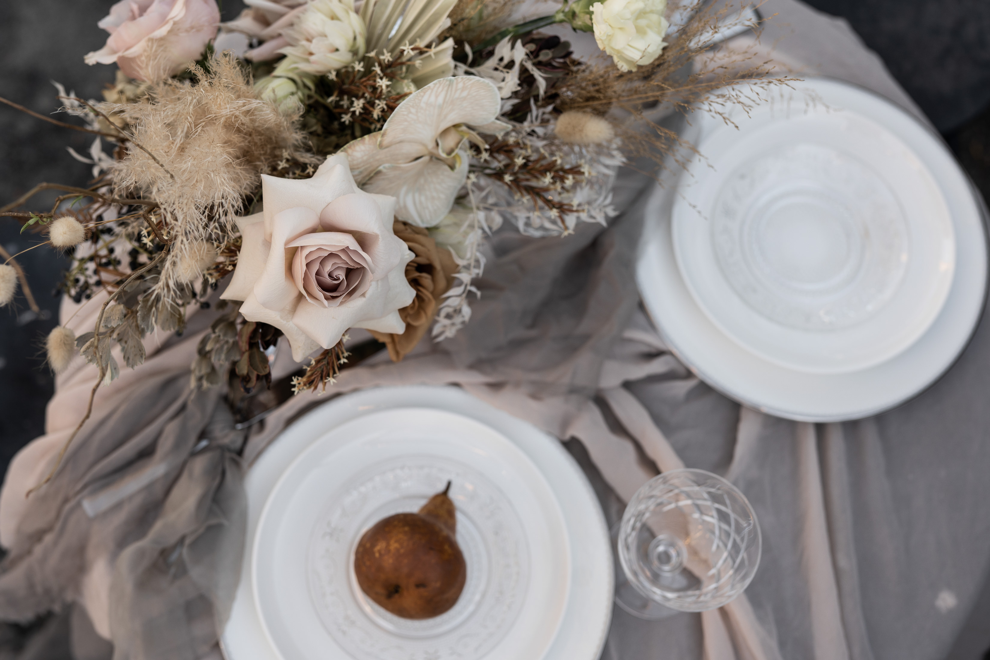 https://scenicrimbride.com.au/wp-content/uploads/2019/08/SRB_-_Sarabah_Estate_Styled_Shoot-0039.jpg