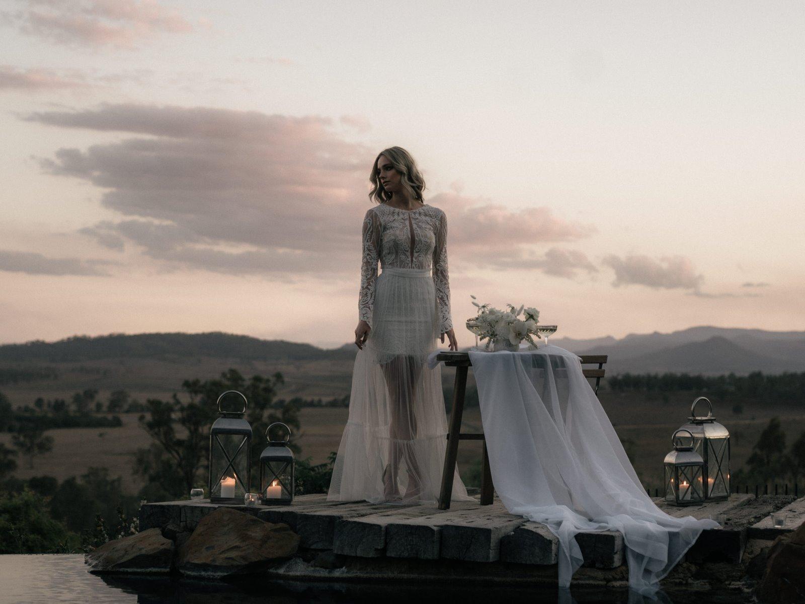 https://scenicrimbride.com.au/wp-content/uploads/2019/12/Scenic-Rim-Bride-Spicers-Hidden-Vale-0010.jpg