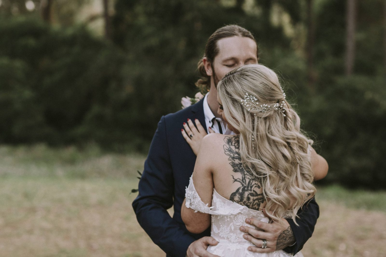 https://scenicrimbride.com.au/wp-content/uploads/2019/12/Scenic-Rim-BrideOReillys-Canungra-Valley-Vineyards-Wedding-Photography-489-scaled.jpg